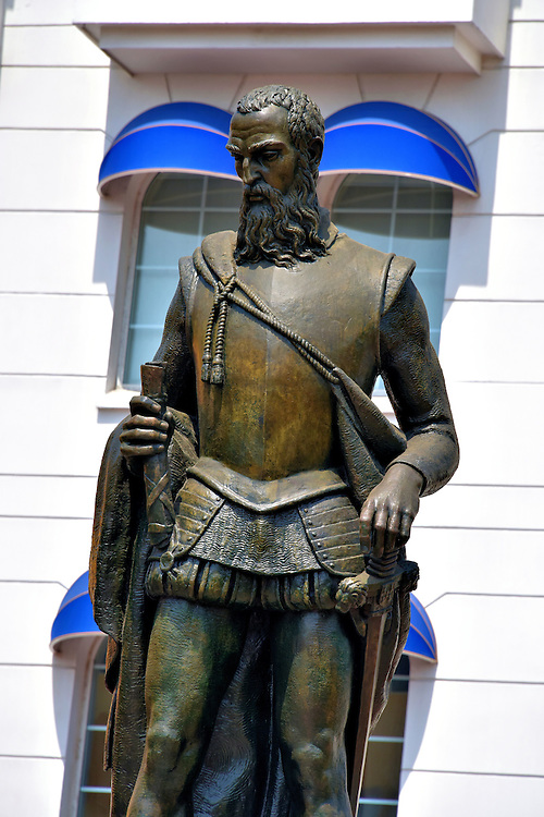 Pedro de Heredia Statue in Old Town, Cartagena, Colombia<br />