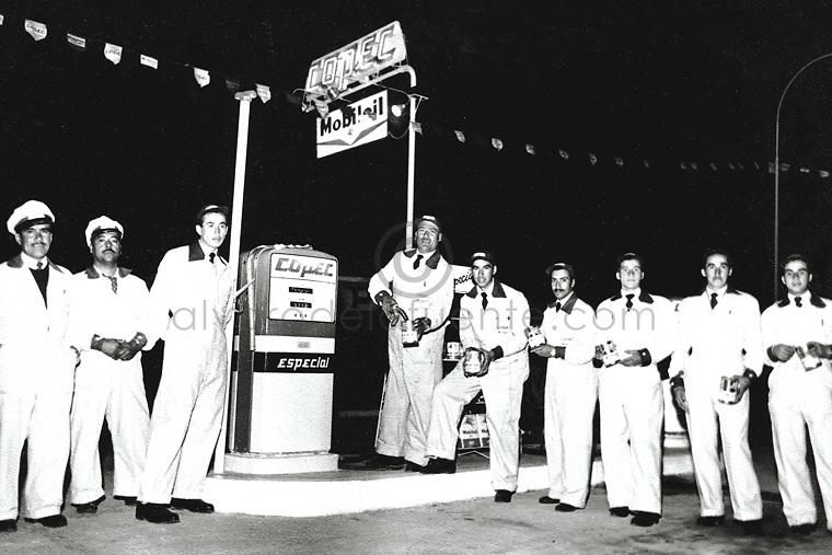 Estacion de servicio copec, atendedores,1960