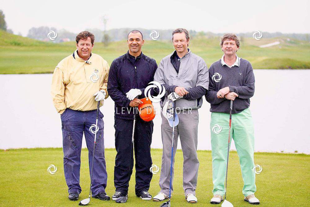 BADHOEVEDORP - De DON Masters is een celebrity golftoernooi, waarbij iedere flight bestaat uit 3 deelnemers en 1 bekende Nederlander. Het toernooi plaats op Golfclub The International. Met op de foto  Ruud Gullit. FOTO LEVIN DEN BOER - PERSFOTO.NU