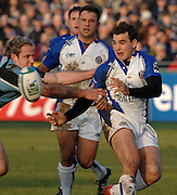 2005/06, Heineken Cup,  Olly Barkley passes the ball, Bath Rugby vs Glasgow Warriors, The Rec, Bath, ENGLAND   © Peter Spurrier/Intersport Images - email images@intersport-images..   [Mandatory Credit, Peter Spurier/ Intersport Images].