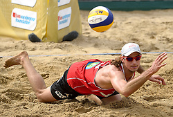 20-07-2014 NED: FIVB Grand Slam Beach Volleybal, Scheveningen<br /> Mariusz Prudel (1) POL