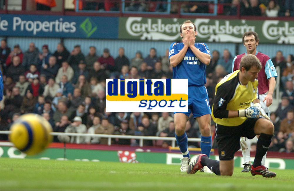 Photo: Ed Godden.<br />West Ham United v Chelsea. The Barclays Premiership.<br />02/01/2006. <br />Chelsea's Arjen Robben (L) looks in dis-belief as his shot goes wide.