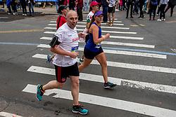 05-11-2017 USA: NYC Marathon We Run 2 Change Diabetes day 3, New York<br /> De dag van de marathon, 42 km en 195 meter door de straten van Staten Island, Brooklyn, Queens, The Bronx en Manhattan / Barry