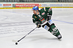 02.10.2015, Curt Frenzel Stadium, Augsburg, GER, DEL, Augsburger Panther vs Hamburg Freezers, 7. Runde, im Bild Mark Mancari #25 (Augsburger Panther)<br /><br />AEV Augsburg Panther - Hamburg Freezers, DEL, Eishockey, Herren, Saison 2015 2016, 02.10.2015, Foto: Eibner // during the German DEL Icehockey League 7th round match between Augsburger Panther and Hamburg Freezers at the Curt Frenzel Stadium in Augsburg, Germany on 2015/10/02. EXPA Pictures © 2015, PhotoCredit: EXPA/ Eibner-Pressefoto/ Hiermayer<br /> <br /> *****ATTENTION - OUT of GER*****