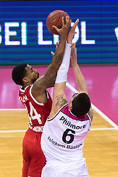 28.03.2016, Telekom Dome, Bonn, GER, Beko Basketball BL, Telekom Baskets Bonn vs FC Bayern Muenchen, 23. Runde, im Bild Bryce Taylor (FC Bayern Muenchen #44) beim Korbleger gegen Isaiah Philmore (Telekom Baskets Bonn #6) // during the Beko Basketball Bundes league 23th round match between Telekom Baskets Bonn and FC Bayern Munich at the Telekom Dome in Bonn, Germany on 2016/03/28. EXPA Pictures © 2016, PhotoCredit: EXPA/ Eibner-Pressefoto/ Schüler<br /> <br /> *****ATTENTION - OUT of GER*****