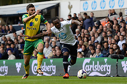 Norwich's Robert Snodgrass and Tottenham's Danny Rose   - Photo mandatory by-line: Mitchell Gunn/JMP - Tel: Mobile: 07966 386802 14/09/2013 - SPORT - FOOTBALL -  White Hart Lane - London - Tottenham Hotspur v Norwich - Barclays Premier League