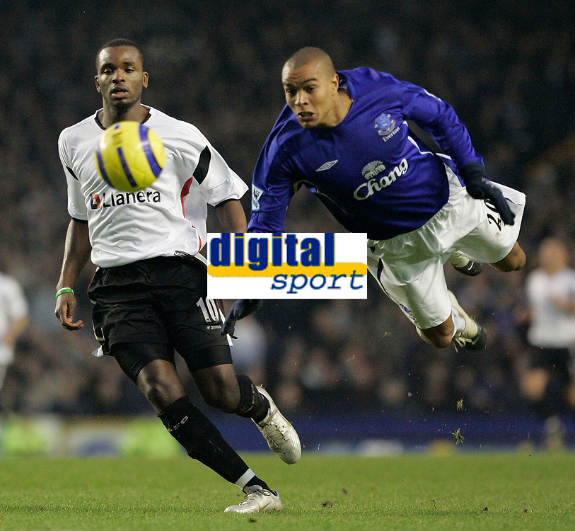 Photo: Dave Howarth.<br /> Everton v Charlton Athletic. The Barclays Premiership.<br /> 02/01/2005.  Leaping lizzards, Everton's Matteo Ferrari leaps at a ball against Charlton's Darren Bent
