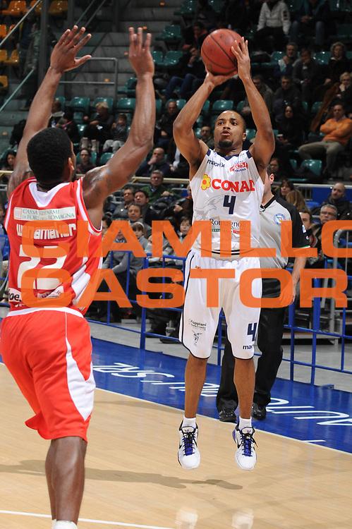 DESCRIZIONE : Bologna Lega Basket A2 2011-12 Conad Bologna Marcopoloshop.it Forli<br /> GIOCATORE : Alfrie Tre Kelley<br /> CATEGORIA : tiro<br /> SQUADRA : Conad Bologna<br /> EVENTO : Campionato Lega A2 2011-2012<br /> GARA : Conad Bologna Marcopoloshop.it Forli<br /> DATA : 12/02/2012<br /> SPORT : Pallacanestro<br /> AUTORE : Agenzia Ciamillo-Castoria/M.Marchi<br /> Galleria : Lega Basket A2 2011-2012 <br /> Fotonotizia : Bologna Lega Basket A2 2011-12 Conad Bologna Marcopoloshop.it Forli<br /> Predefinita :