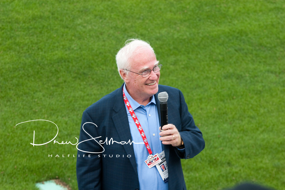 MLB Chief Operating Officer DuPey speaks to players and volunteers at the 2009 Opening Ceremonies of the Jr. RBI Classic in St. Louis, Missouri.