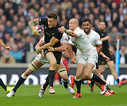 Twickenham, Great Britain, New Zealands Sonny Boy WILLIAMS, breaking through, Mike BROWN'S, challenge during the QBE Autumn International, England vs New Zealand, RFU Stadium Twickenham, Surrey.  {DOW}  {DATE} [Mandatory Credit; Peter SPURRIER/Intersport Images]