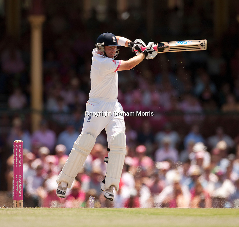 Ian Bell cracks four runs off the bowling of Peter Siddle during his century in the fifth and final Ashes test match between Australia and England at the SCG in Sydney, Australia. Photo: Graham Morris (Tel: +44(0)20 8969 4192 Email: sales@cricketpix.com) 05/01/11