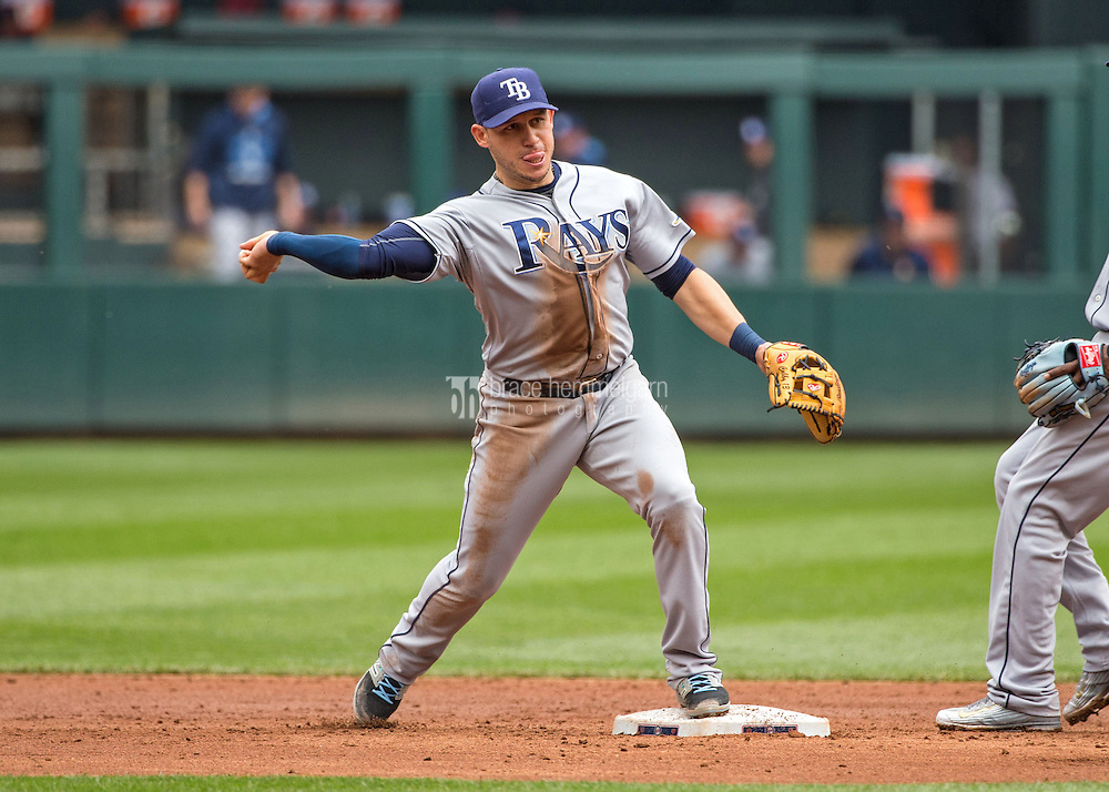 MINNEAPOLIS, MN- MAY 16: Asdrubal Cabrera #13 of the Tampa Bay Rays throws against the Minnesota Twins on May 16, 2015 at Target Field in Minneapolis, Minnesota. The Twins defeated the Rays 6-4. (Photo by Brace Hemmelgarn) *** Local Caption *** Asdrubal Cabrera