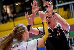 04-04-2017 NED:  CEV U18 Europees Kampioenschap vrouwen dag 4, Arnhem<br /> Duitsland - Nederland 3-1 / Nederland verliest kansloos van Duitsland met 3-1 - Bart Jan van der Mark