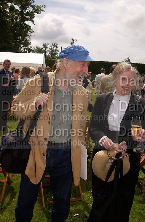 Richard Hamilton and Rita Donagh, Cartier Style Et Luxe, Goodwood, 27 June 2004. SUPPLIED FOR ONE-TIME USE ONLY-DO NOT ARCHIVE. © Copyright Photograph by Dafydd Jones 66 Stockwell Park Rd. London SW9 0DA Tel 020 7733 0108 www.dafjones.com