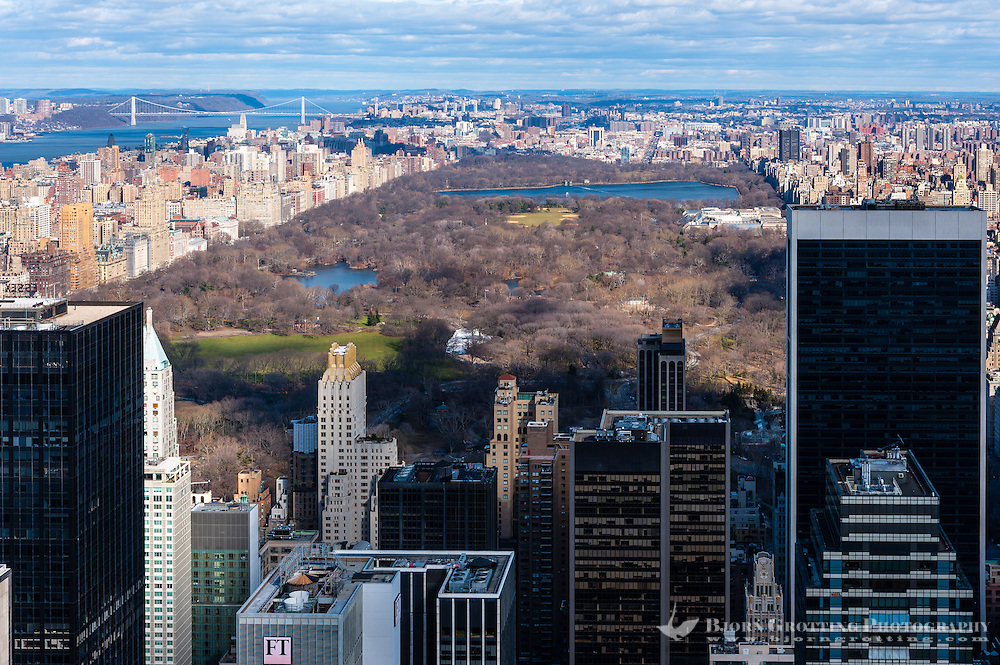 US, New York City. View from Top of the Rock Observation Deck, 30 Rockefeller Plaza.  Central Park.