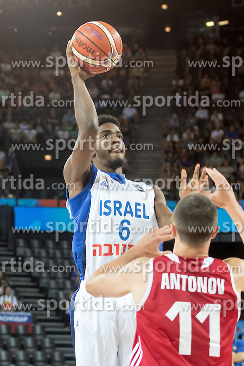 05.09.2015, Park Suites Arena, Montpellier, FRA, Eurobasket 2015, Israel vs Russland, Gruppe A, im Bild SHAWN DAWSON (6) // during the FIBA Eurobasket 2015, group A match between Israel and Russia at the Park Suites Arena in Montpellier, France on 2015/09/05. EXPA Pictures &copy; 2015, PhotoCredit: EXPA/ Newspix/ Pawel Pietranik<br /> <br /> *****ATTENTION - for AUT, SLO, CRO, SRB, BIH, MAZ, TUR, SUI, SWE only*****