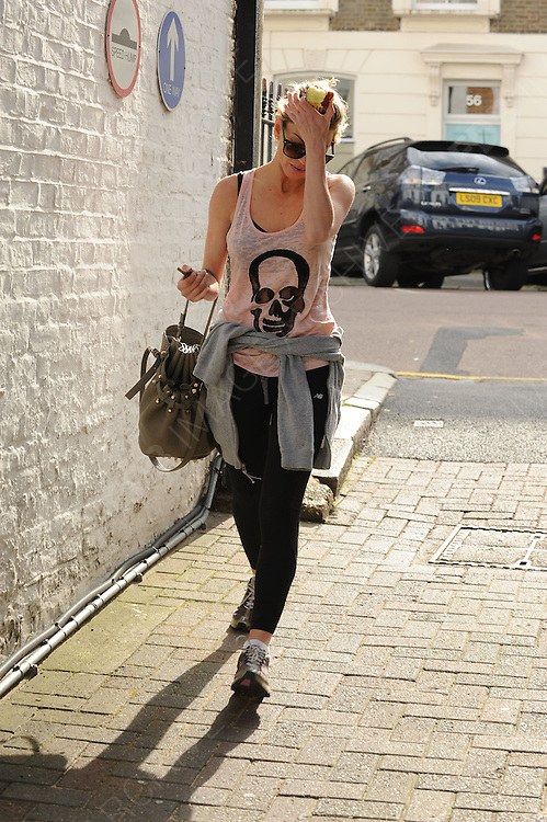 20.MARCH.2012. LONDON<br /> <br /> SARAH HARDING OUT AND ABOUT IN PRIMROSE HILL LOOKING A LITTLE UPSET<br /> <br /> BYLINE: EDBIMAGEARCHIVE.COM<br /> <br /> *THIS IMAGE IS STRICTLY FOR UK NEWSPAPERS AND MAGAZINES ONLY*<br /> *FOR WORLD WIDE SALES AND WEB USE PLEASE CONTACT EDBIMAGEARCHIVE - 0208 954 5968*