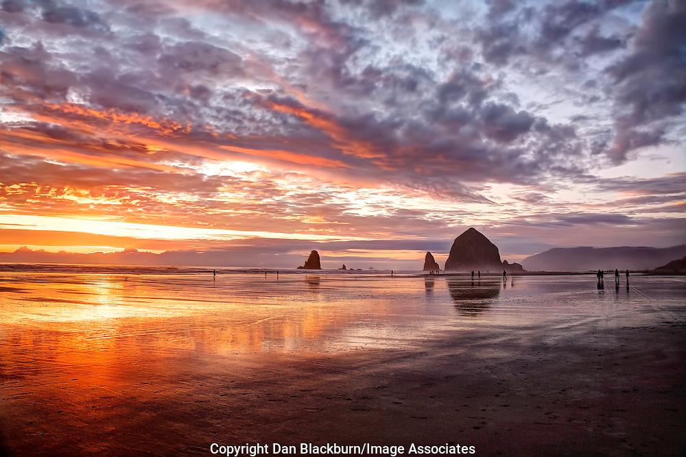 Haystack Rock & The Needles Canon Beach Oregon