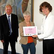 NLD/Huizen/20070529 - Gemeentehuis Huizen cheque overhandiging AV Zuidwal