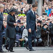NLD/Amsterdam/20170504 - Nationale Herdenking 2017, Martin van Rijn, Jeanine Hennis-Plasschaert en premier Mark Rutte