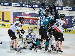 01.12.2016, Keine Sorgen Eisarena, Linz, AUT, EBEL, EHC Liwest Black Wings Linz vs Dornbirner Eishockey Club, 25. Runde, im Bild Brian Lebler (EHC Liwest Black Wings Linz) jubelt // during the Erste Bank Icehockey League 25th round match between EHC Liwest Black Wings Linz and Dornbirner Eishockey Club at the Keine Sorgen Icearena, Linz, Austria on 2016/12/01. EXPA Pictures © 2016, PhotoCredit: EXPA/ Reinhard Eisenbauer