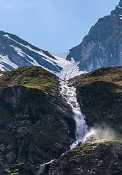 THEMENBILD - ein Gebirgsbach mit Wasserfall und umliegende Berge, aufgenommen am 15. Juni 2017, Kaprun, Österreich // A mountain stream with waterfall and surrounding mountains on 2017/06/15, Kaprun, Austria. EXPA Pictures © 2017, PhotoCredit: EXPA/ JFK