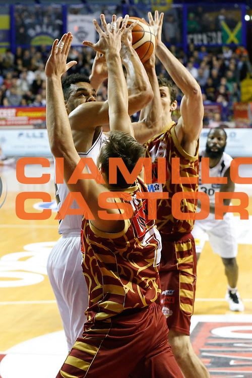 DESCRIZIONE : Venezia Lega A 2015-16 Umana Reyer Venezia Dolomiti Energia Trentino<br /> GIOCATORE : Trent Lockett<br /> CATEGORIA : Tiro Mani<br /> SQUADRA : Umana Reyer Venezia Dolomiti Energia Trentino<br /> EVENTO : Campionato Lega A 2015-2016<br /> GARA : Umana Reyer Venezia Dolomiti Energia Trentino<br /> DATA : 28/12/2015<br /> SPORT : Pallacanestro <br /> AUTORE : Agenzia Ciamillo-Castoria/G. Contessa<br /> Galleria : Lega Basket A 2015-2016 <br /> Fotonotizia : Venezia Lega A 2015-16 Umana Reyer Venezia Dolomiti Energia Trentino