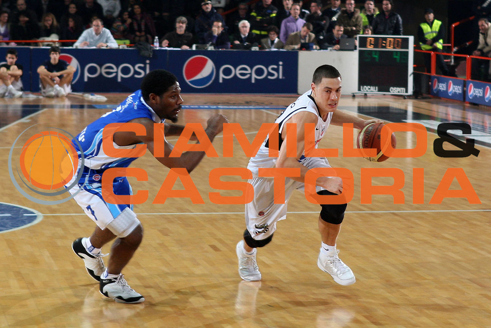 DESCRIZIONE : Caserta Lega A 2009-10 Pepsi Caserta NGC Medical Cantu<br /> GIOCATORE : Fabio Di Bella<br /> SQUADRA : Pepsi Caserta<br /> EVENTO : Campionato Lega A 2009-2010 <br /> GARA : Pepsi Caserta NGC Medical Cantu<br /> DATA : 06/12/2009<br /> CATEGORIA : palleggio<br /> SPORT : Pallacanestro <br /> AUTORE : Agenzia Ciamillo-Castoria/E.Castoria<br /> Galleria : Lega Basket A 2009-2010 <br /> Fotonotizia : Caserta Campionato Italiano Lega A 2009-2010 Pepsi Caserta NGC Medical Cantu<br /> Predefinita :
