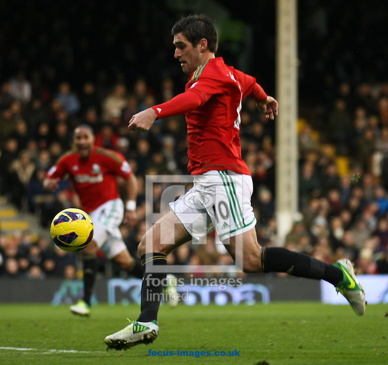 Picture by David Horn/Focus Images Ltd +44 7545 970036.29/12/2012.Danny Graham of Swansea City during the Barclays Premier League match at Craven Cottage, London.