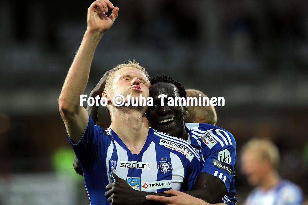 30.08.2010, Sonera Stadion Helsinki..Veikkausliiga 2010, FC HJK Helsinki - IFK Mariehamn..Juho M?kel? & Dawda Bah - HJK.©Juha Tamminen.