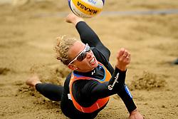 03-06-2012 VOLLEYBAL: EK BEACHVOLLEYBAL FINAL: SCHEVENINGEN<br /> Sanne Keizer<br /> ©2012-FotoHoogendoorn.nl