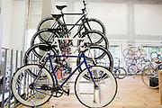 Fixies van Polo & Bike. In Nijmegen is in het oude Honig complex het Fietscentrum Nijmegen (FCN) gevestigd.  Het FCN biedt onderdak aan onder andere Elan ligfietsen, fixie- en designfietsenwinkel Stipbike, een racefietswinkel en fietsverhuur Mastworp. Het FCN wil de fiets als een breed inzetbaar en duurzaam vervoermiddel laten zien. Je moet er niet alleen terecht kunnen voor de modernste en mooi vormgegeven fietsen, het centrum moet ook een ontmoetingsplaats worden voor de fietsliefhebber en platform zijn voor de verdere ontwikkeling van de fiets.<br /> <br /> In Nijmegen in the old Honig complex the Bike Centre Nijmegen (Fiets centrum Nijmegen FCN) is located. The FCN hosts amongst others Elan recumbent bikes, fixie and design bike shop Stipbike, a road bike shop and bike rental service Mastworp. The FCN wants to show the bicycle as a versatile and sustainable transport medium. The center not only gives visitors a chance to see the modern and well-designed bicycles, it should be a meeting place for the bike enthusiast and platform for the further development of the bicycle.
