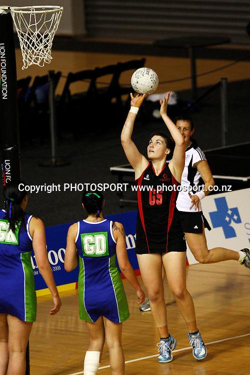 Canterbury goal shoot Ellen Halpenny, Lion Foundation Netball Championship. First Grade Division 1 final. Auckland Waitakere v Mainland Foundation Canterbury. Trusts Stadium, Auckland, New Zealand. Saturday 2 October 2010. Photo: William Booth / photosport.co.nz
