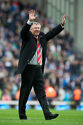BLACKBURN, ENGLAND - Saturday, May 14, 2011: Manchester United's manager Alex Ferguson celebrates winning the FA Premier League after his side scrapped a 1-1 draw with Blackburn Rovers during the Premiership match at Ewood Park. (Photo by David Rawcliffe/Propaganda)