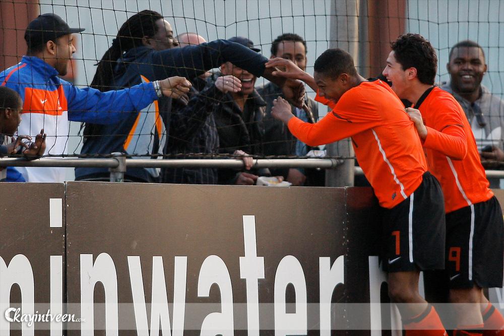 ROTTERDAM - Nederland - Portugal, EK Kwalificatie onder 17, 29-03-2011, Sportcomplex Varkenoord, Jean-Paul Boetius scoort de beslissende 1-0 en loopt richting zijn fans/vrienden