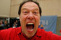 21-04-2012 VOLLEYBAL: B- LEAGUE DAMES VCN KING SOFTWARE - KINDERCENTRUM ALTERNO 2: CAPELLE AAN DEN IJSSEL <br /> Coach Erik Gras is blij met het behaalde kampioenschap van VCN King Software<br /> ©2012-FotoHoogendoorn.nl / Pim Waslander