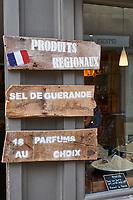 France, Loire-Atlantique (44), Presqu'île de Guérande, Guérande, la cité médiévale, sel de guerande// France, Loire-Atlantique, Guérande, medieval city, Guerande salt shop