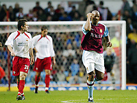 Fotball, 29. november 2003, Premier League, Aston Villa - Southampton,    Dion Dublin, Aston Villa scoret 1-0