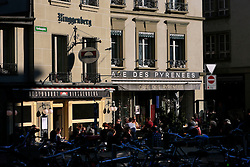 SWITZERLAND BERN 1MAR12 - Guests enjoy a  sunny afternoon at Cafe des Pyrenees and Ringgenberg restaurant on Kornhausplatz in Bern, Switzerland.....jre/Photo by Jiri Rezac....© Jiri Rezac 2012