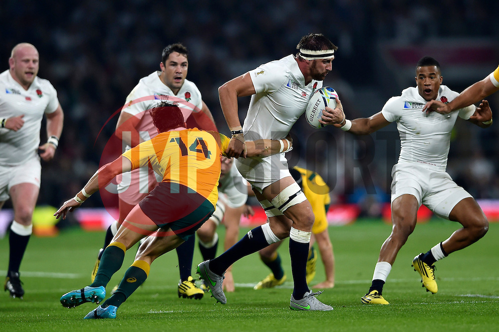 Tom Wood of England takes on the Australia defence - Mandatory byline: Patrick Khachfe/JMP - 07966 386802 - 03/10/2015 - RUGBY UNION - Twickenham Stadium - London, England - England v Australia - Rugby World Cup 2015 Pool A.