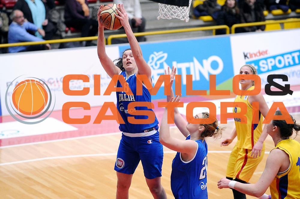 DESCRIZIONE : Schio Torneo Famila cup Italia Romania Italy Romania<br /> GIOCATORE : Cecilia Zandalasini<br /> CATEGORIA : rimbalzo<br /> EVENTO : Schio Torneo Famila cup Italia Romania Italy Romania<br /> GARA : Italia Romania Italy Romania<br /> DATA : 29/12/2014<br /> SPORT : Pallacanestro<br /> AUTORE : Agenzia Ciamillo-Castoria/Max.Ceretti<br /> Galleria: Fip Nazionali 2014<br /> Fotonotizia: Schio Torneo Famila cup Italia Romania Italy Romania<br /> Predefinita :