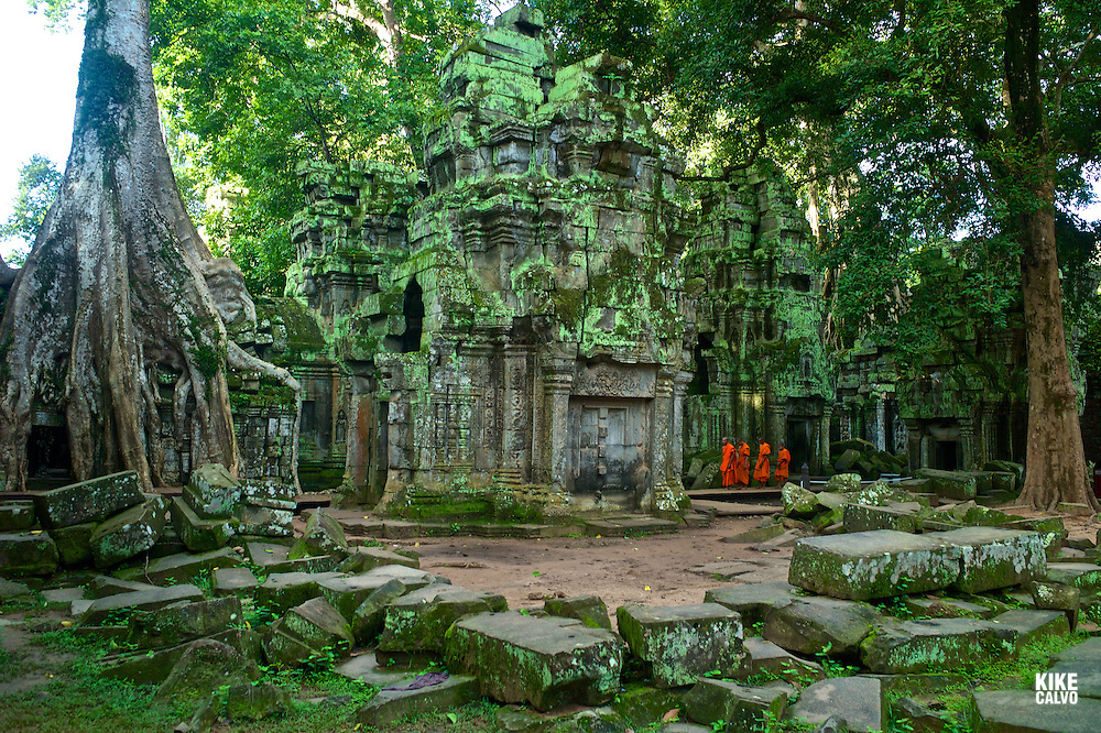 Theravada Buddhists from Phras Ang Tep Monastery at Ta Prohm Jungle Temple (Angkor Complex)