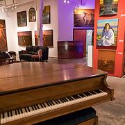 Pioneer Square art gallery. José Luis Rodríguez Guerra Artist in the Washington Park Building. Photo by Alabastro Photography.