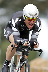(Geelong, Australia---30 September 2010) Gordon McCauley of New Zealand (NZL) racing to 37th place in the Elite Men's Time Trial race at the 2010 UCI Road World Championships [2010 Copyright Sean Burges / Mundo Sport Images -- www.mundosportimages.com]