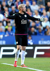 Kasper Schmeichel of Leicester City looks frustrated - Mandatory by-line: Robbie Stephenson/JMP - 02/10/2016 - FOOTBALL - King Power Stadium - Leicester, England - Leicester City v Southampton - Premier League
