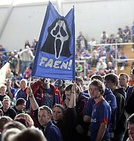 Fotball / Valg<br /> Vallhall<br /> 02.09.07<br /> Folkemøte om ny stadion på Valle<br /> Vålerenga VIF <br /> Reaksjonene lot ikke vente på seg blant supporterne da Høyre s Bård Folke Fredriksen talte<br /> Foto - Kasper Wikestad