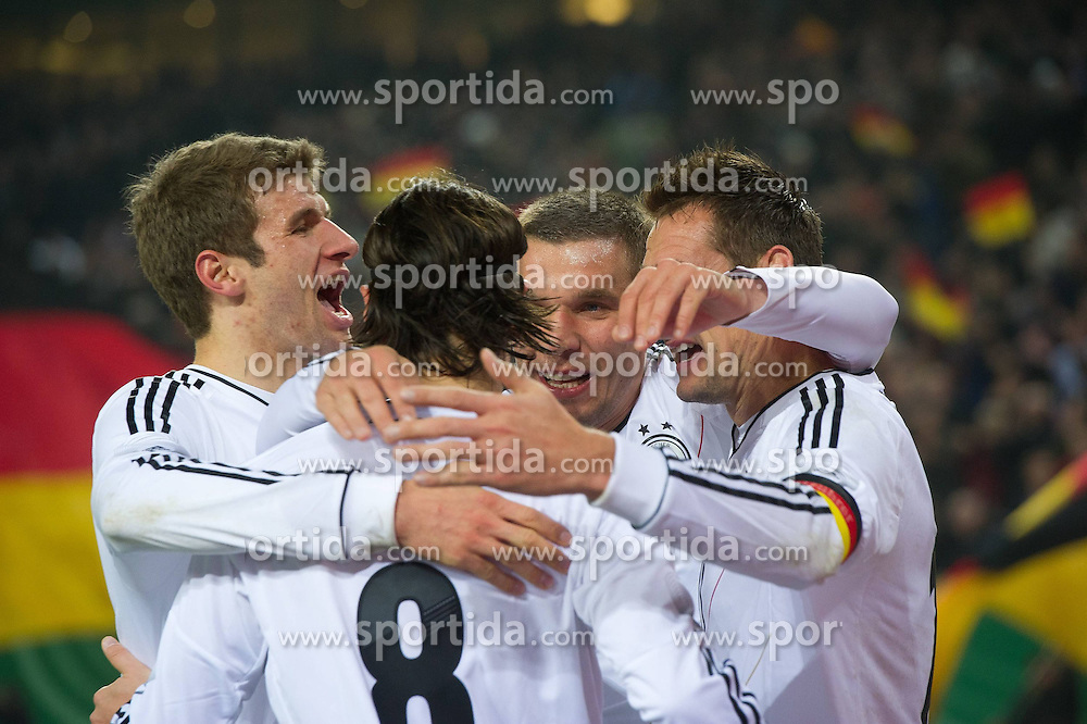 15.11.2011, Imtech Arena, Hamburg, GER, FSP, Deutschland (GER) vs Holland (NED), im Bild Jubel nach dem 2 zu 0 durch Miroslav Klose (GER #11 Rom) mit Mesut Özil/ Oezil GER #08 Madrid) Lukas Podolski (GER #10 Koeln) Thomas Müller/ Müller (GER #13 Bayern)  // during the Match Gemany (GER) vs Netherland (NED) on 2011/11/15,  Imtech Arena, Hamburg, Germany. EXPA Pictures © 2011, PhotoCredit: EXPA/ nph/ Kokenge..***** ATTENTION - OUT OF GER, CRO *****