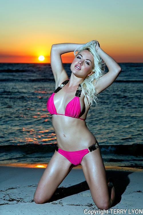 Heather Mitchell, Cottesloe Beach sunset shoot, photo Terry Lyon , Terry Lyon Photography