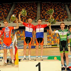 Podium van dag 2 van het NK baanwielrennen in Apeldoorn