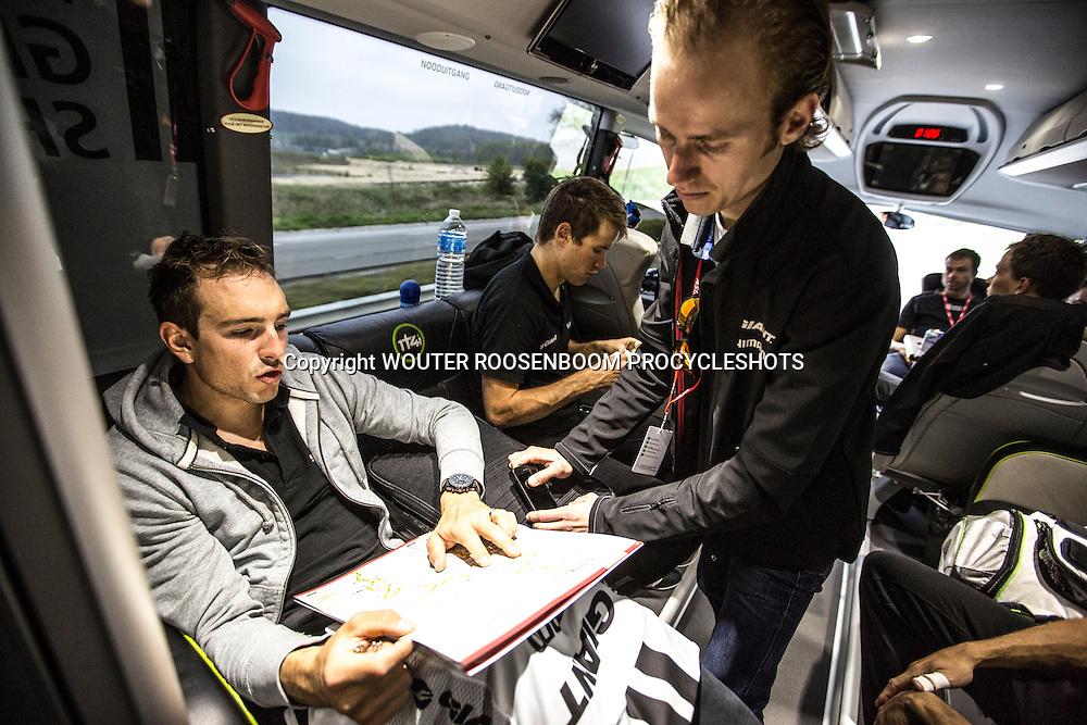 Roubaix - wielrennen, 13-04-2014, Parijs - Roubaix, John Degenkolb en trainer Marc Reef